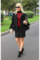 black cape unknown brand coat - red turtleneck Zara sweater