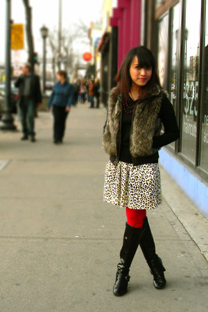 Nickels boots - red Target tights - leopard modcloth skirt - faux fur Forever 21