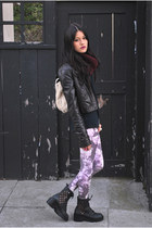 crimson infinity knit brixton scarf - dark gray Jeffrey Campbell boots