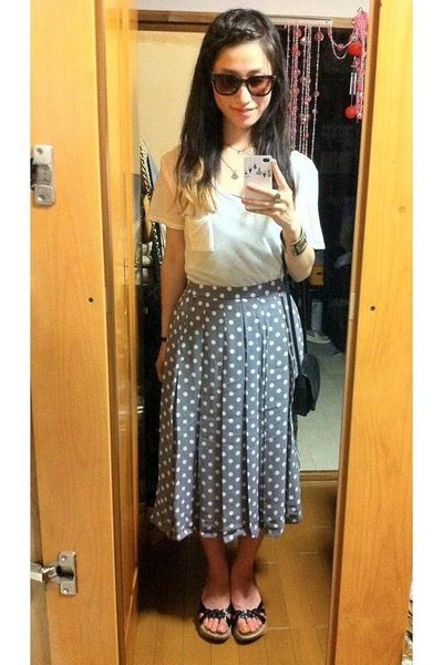 white shirt - black vintage bag bag - dark brown glasses - violet dots skirt - b