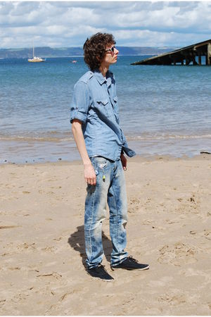 blue H&M jeans - blue H&M shirt - black Burton shoes