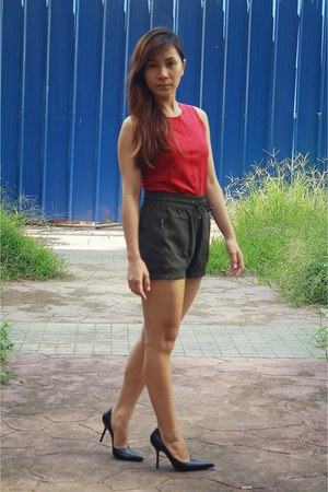 army green Singapore shorts - maroon my closet top