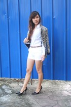 dark brown Zara blazer - white Zara shorts