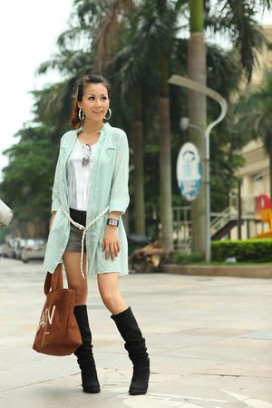 light green aneshe blouse