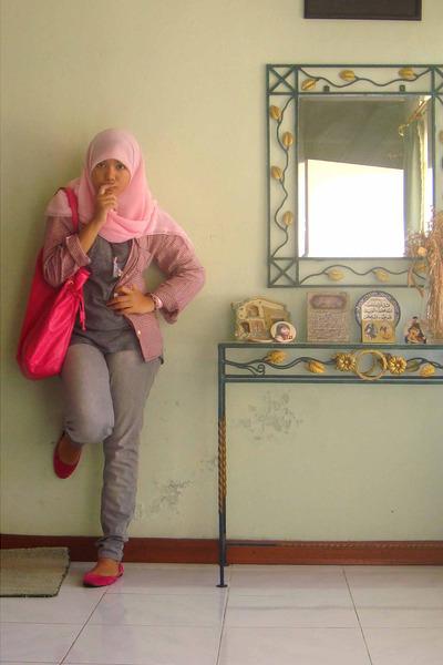 Secondhand shirt - t-shirt - Zara jeans - Mango purse - shoes