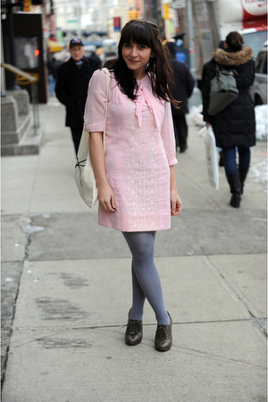 gray HUE tights - gray blimey seychelles shoes - pink etsy vintage dress