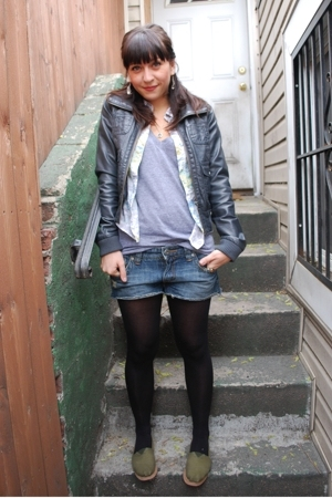 H &amp; M tights - Roxy shorts - American Apparel t-shirt - Earl Jeans shirt - H &amp; M