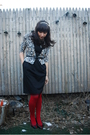 Black-bb-dakota-dress-beige-uo-cardigan-red-hue-tights