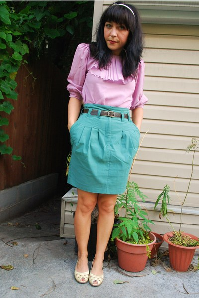 H&amp;M skirt - vintage top - vintage belt