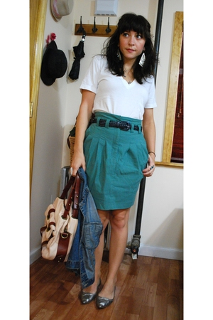 American Apparel t-shirt - H&amp;M skirt - vintage belt - Zara shoes - cynthia rowle