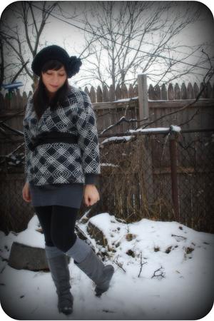 black kensie leggings - gray vintage jacket