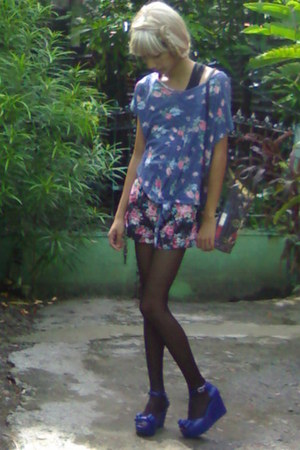 white floral Mango bag - black floral print KirinKirin shorts