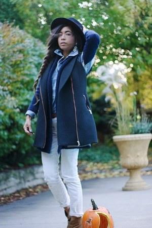 dark gray oversized Zara vest - black wool duluth trading company hat