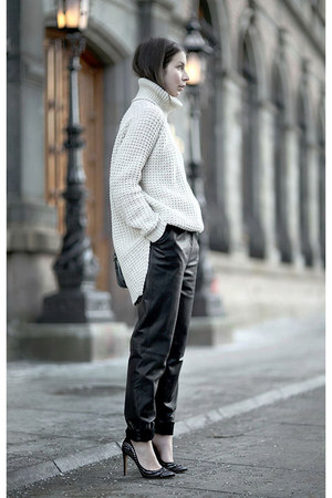 ivory hope sweater - black By Malene Birger pants