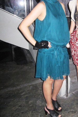 green Mango dress - black THou ADourned gloves - black Possibility shoes
