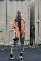 black phoenix music Quintal Esboco t-shirt - nude Zara jacket
