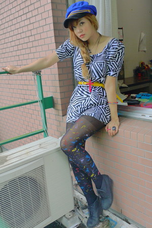 blue military hat - white geometric print dress - black tights - yellow belt