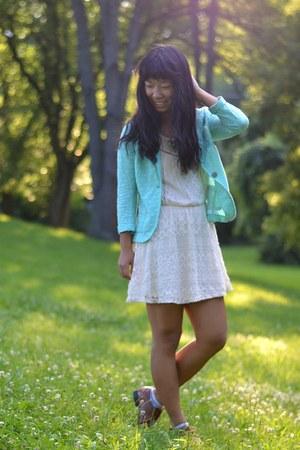 aquamarine kohls blazer - tawny Forever 21 shoes - off white kohls dress