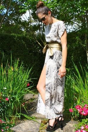 python print Zara dress - wrap-around Zara belt - platform Prada heels