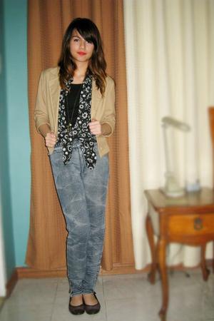blazer - blouse - shirt - jeans - shoes