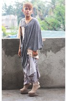 beige kermit tesoro shoes - nude Comax shirt - heather gray mike lavarez shirt -