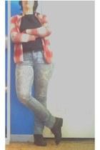 red shirt - black shirt - black leather boots - light blue skinny jeans jeans