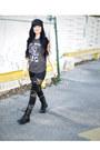 Black-boots-black-lace-leggings