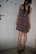 Zara Flowery dress - Charles & Keith shoes - Topshop pearl bracelet
