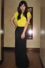 Yellow-zara-blouse-black-zara-pants-vintage-clogs