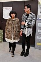 camel leopard H&M coat - black Levis jeans