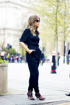 a jumpsuit, easy and chic