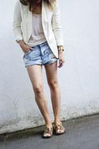 ivory Mango blazer - white Mango t-shirt - crimson Zara flats