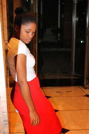 Zara skirt - red skirt - white H&M shirt - Converse sneakers