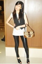 Terranova t-shirt - jannilyn boots - coach purse
