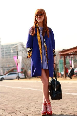 violet Plasma dress - black YSL bag - burnt orange Michael Kors sunglasses - red
