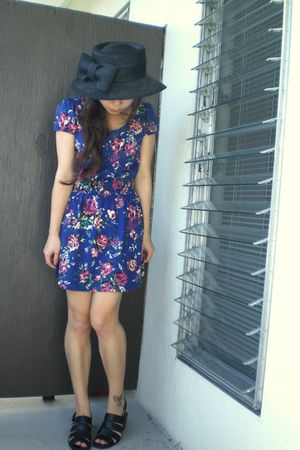 black vintage hat - blue Forever 21 dress - black vintage shoes