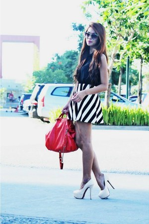 black stripes romwe skirt