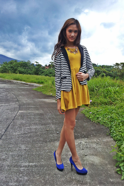 striped blazer - dress - Parisian Shoes pumps