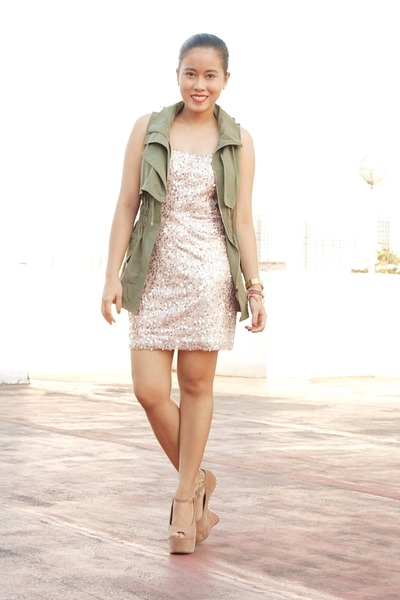 bubble gum sequined Forever 21 dress - army green parka SM vest