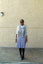charcoal gray lace-up Deena & Ozzy boots - heather gray sweater Old Navy dress -