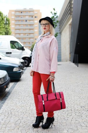 red jeans - black H&amp;M hat - hot pink Westragspt purse - black Westragspt clogs -