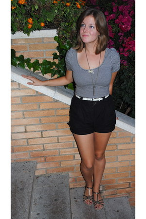 heather gray H&M shirt - black H&M shorts - bronze Mossimo sandals