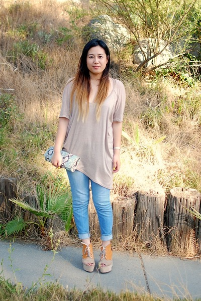 beige shirt - nude H&amp;M shoes - light blue BDG jeans
