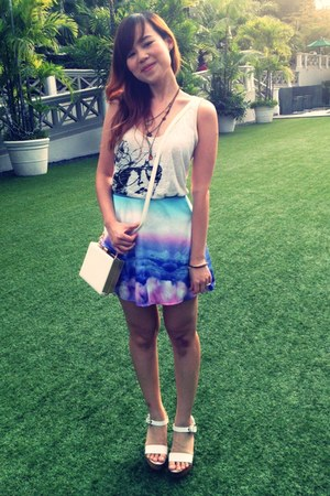 sky-print lacepipe skirt - white gold TheScarletRoom bag - Mango top