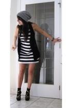 black white stripes poema top - black studded Urbanogcom shoes