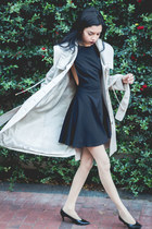 black American Apparel dress - tan trench coat vintage coat - vintage bag