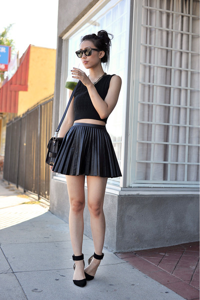 Proenza-schouler-purse-ray-ban-sunglasses-h-m-skirt_400