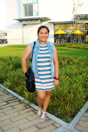 blue vest - pink dress - white shoes - black Charles and Keith bag