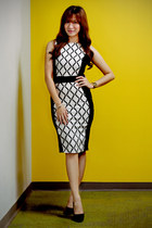 white bodycon apartment 8 dress - black velvet Charles & Keith heels