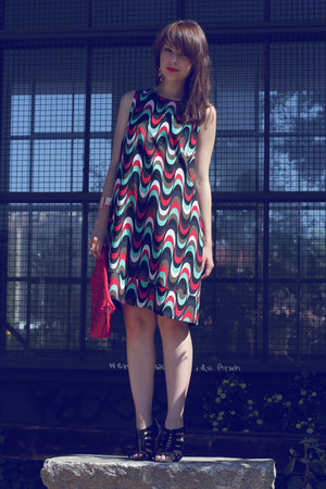 silk vintage dress - leather Hallhuber bag - H&M heels